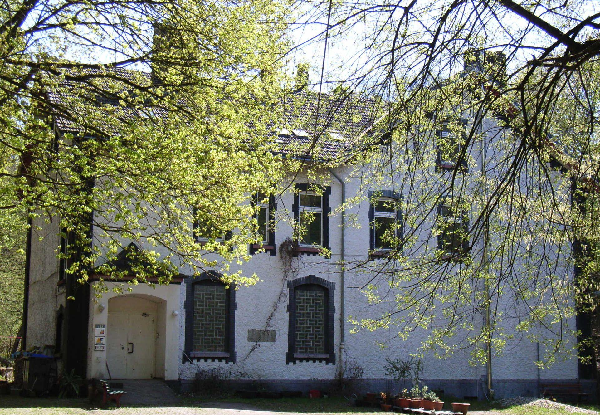 am-varenholt-ehemalige-brockhauser-schule-bochum-stiepel