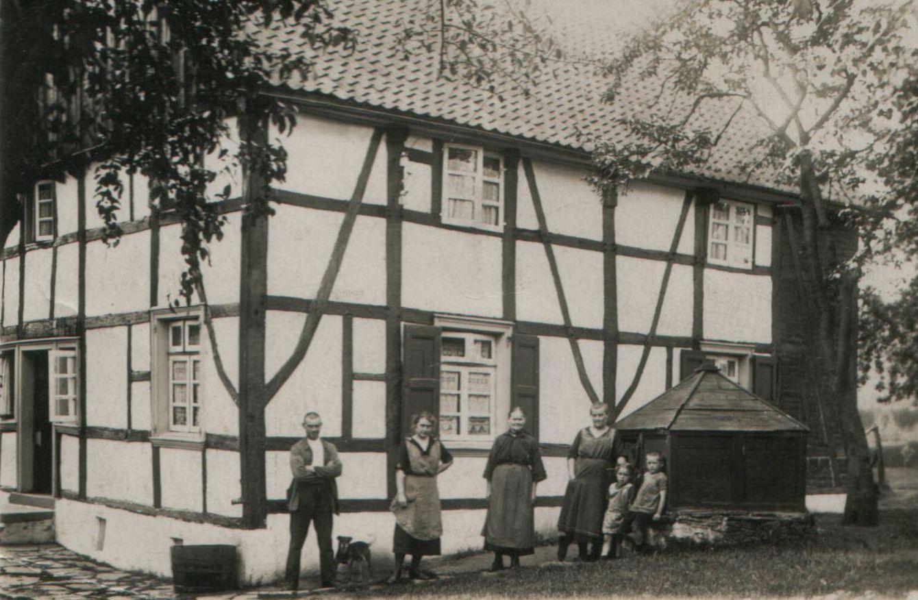 Der Hof Oberste Beulmann in den 1920er Jahren, Foto: H.-D. Eickelbeck