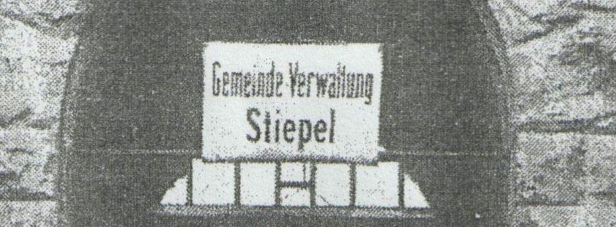 Das über der Eingangstür hängende Schild wurde nach 1929 abmontiert