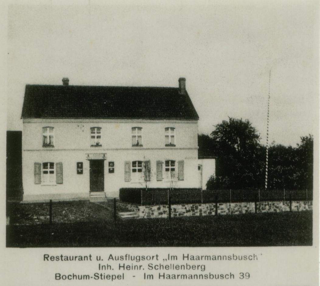 """Wurde von einem Sohn eines der """"Brüder Schellenberg"""" betrieben: die Wirtschaft Schellenberg (vorher Gustrau) auf einer Postkarte (Foto: Archiv Wilhelm Dickten)"""