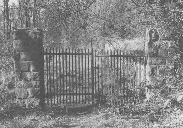 Katholischer Friedhof Stiepel, Eingangstor, Zustand 1986