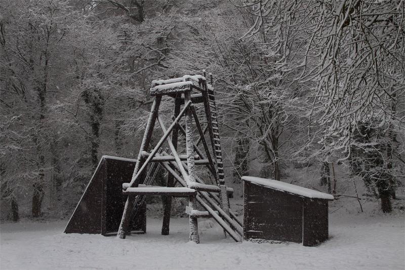 Nachbau der Kleinzeche Haunert im Schnee, errichtet 2017