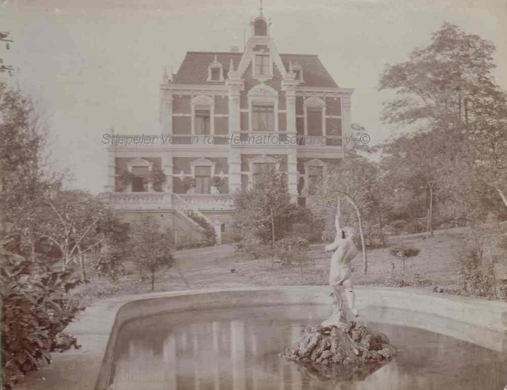 Die 1904 errichtete Villa Krockhaus, vom Garten aus betrachtet
